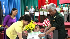 Defence Minister vows joint work with AO victims association