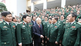 Party chief Trong lauds border guard force's defence efforts