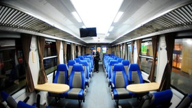 New generation train of Saigon- Nha Trang route opened