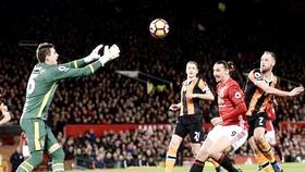 Mourinho nổi giận với trận hòa thứ 9