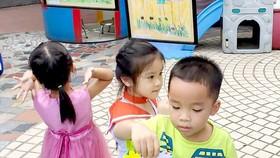 Dạy trẻ biết yêu thương qua hoạt động trải nghiệm