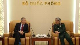 Vietnam, US seek ways to enhance defence cooperation