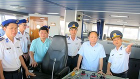 HCMC leaders visit to Naval Region 3 High Command