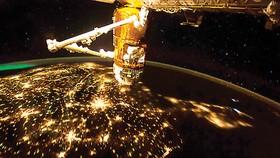 Ký hợp đồng đưa du khách lên ISS