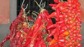 Hot Chili Peppers Might Help Fight Prostate Cancer