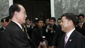 Two Koreas to Resume Family Reunions