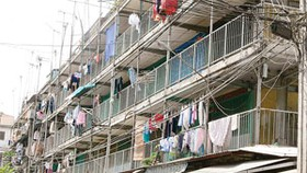 Gov't Discusses Crumbling Apartments, G-bonds