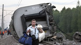 Russia's Security Chief Urges Tighter Security after Train Crash