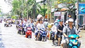 Broken Levees Worsen Flooding In Ho Chi Minh City