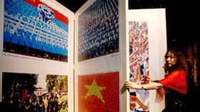 Canon Displays Giant Photo Album