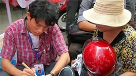 New Helmet Regulation Gives Birth to Helmet Decoration Boom