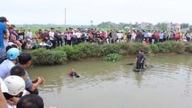 Hai anh em ruột chết đuối dưới hồ