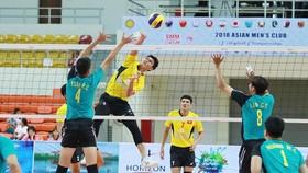 Sanest Khánh Hoà (đập bóng) càng chơi càng hay ở giải châu Á. Ảnh: AVC