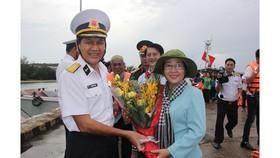 Bàn giao Nhà CLB Thủy thủ Vùng 5 Hải quân do TPHCM xây tặng
