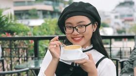 """Phương Mỹ Chi khiến fan thích thú khi cover hit """"HongKong1"""""""