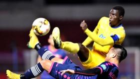 Sài Gòn FC - Thanh Hóa 0-1: 2 thẻ đỏ, Đình Tùng tỏa sáng