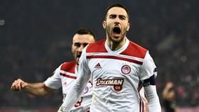 Olympiakos - AC Milan 3-1: Cisse, Fortounis tỏa sáng, loại Milan