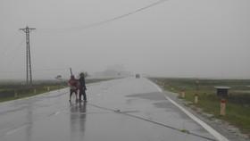 Quảng Bình tan hoang sau bão số 10
