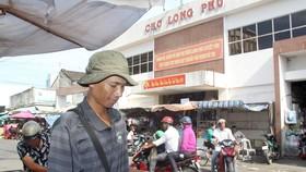 Anh Kim Thái, người bán vé số dạo nay đã chính thức trở thành công chức. Ảnh: TUẤN QUANG
