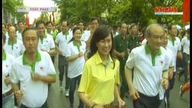 """Gần 10.000 người tham gia """"Ngày chạy Olympic vì sức khỏe toàn dân"""""""