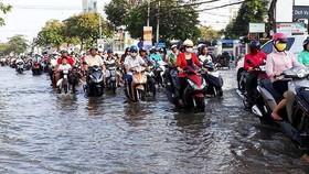 Nội ô thành phố Cần Thơ bị ngập nặng