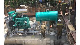 """""""Siêu máy bơm"""" ngừng hoạt động, tăng cường 3 máy bơm chống ngập đường Nguyễn Hữu Cảnh"""