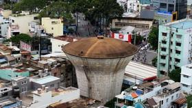 Tháo dỡ các đài nước chưa đảm bảo an toàn