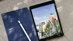 iPad 9.7 inch 2018 với bút Apple Pencil