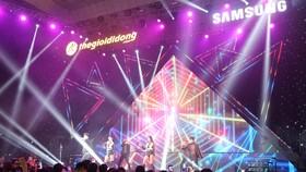 """""""J Night – Dạ tiệc bóng tối, sống động vô đối"""" là sự kiện dành riêng cho Galaxy J4 và Galaxy J6"""