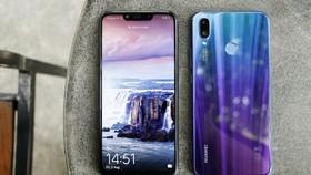 Huawei Nova 3i đã chính thức đến tay người dùng