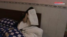 Bắt quả tang 3 cặp nam nữ mua bán dâm tại Nhà hàng, Khách sạn ở Phú Nhuận