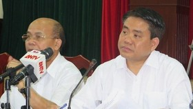 Chairman of the Hanoi People's Committee Nguyen Duc Chung at the dialogue (Source: VNA)