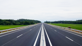 Da Nang-Quang Ngai Expressway to open to traffic early August