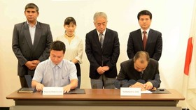Vietnamese and Japanese enterprises ink cooperation deal. (Photo: VNA)
