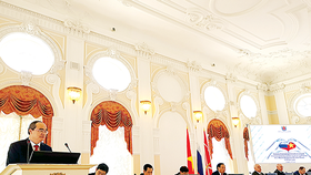 Secretary of HCMC Party Committee Nguyen Thien Nhan speaks at the ceremony. (Photo: Sggp)