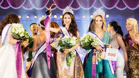 Phan Thi Mo wins World Miss Tourism Ambassador 2018.