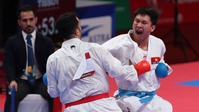 Karate athlete Nguyen Minh Phung (right). (Photo: vnexpress.net)