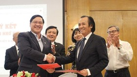 A signing ceremony of cooperation agreement between BAOOV and HUBA, HAWEE is also held at the conference. (Photo: Sggp)