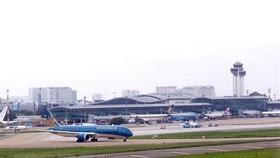 At Tan Son Nhat international airport (Source: VNA)