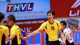 Nguyễn Hữu Hà (15) - Cựu thủ quân đội tuyển Việt Nam luôn đồng hành cùng các sân chơi bóng chuyền phong trào.