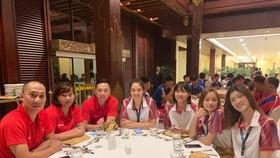 Thầy trò đội tuyển U.23 Việt Nam tại tiệc khai mạc Cúp hoà bình châu Á 2019.