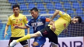 Bảo Quân cùng Thái Sơn Nam trong trận thắng 5-1 trước Shenzhen năm 2015