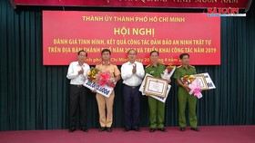 Lãnh đạo TPHCM khen thưởng vụ bắt giữ hơn 1,1 tấn ma túy