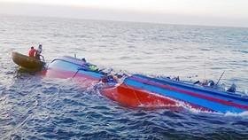 Tàu hàng quốc tịch Singapore đâm chìm tàu cá ngư dân Cà Mau