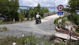 """Cà Mau: Đường làm chậm chạp, huyện nói lỗi khách quan nhưng bị tỉnh """"bắt giò"""""""