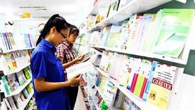 Bộ GD-ĐT cam kết bộ sách giáo khoa mới của bộ sẽ cạnh tranh bình đẳng  