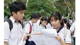Thí sinh dự kỳ thi THPT Quốc gia 2019, tại điểm thi Lê Thánh Tôn, quận 7, TPHCM. Ảnh: HOÀNG HÙNG