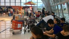 Hàng trăm hành khách bức xúc do Jestar Pacific hủy chuyến phút chót