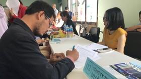 Các doanh nghiệp ở TPHCM đang tuyển hơn 3.800 lao động