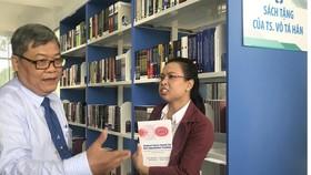 Tiến sĩ kiều bào Mỹ tặng sách trị giá 150.000 USD cho sinh viên bách khoa
